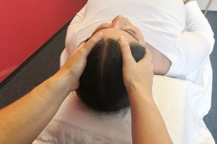 Craniosacrale Therapie auf Liege